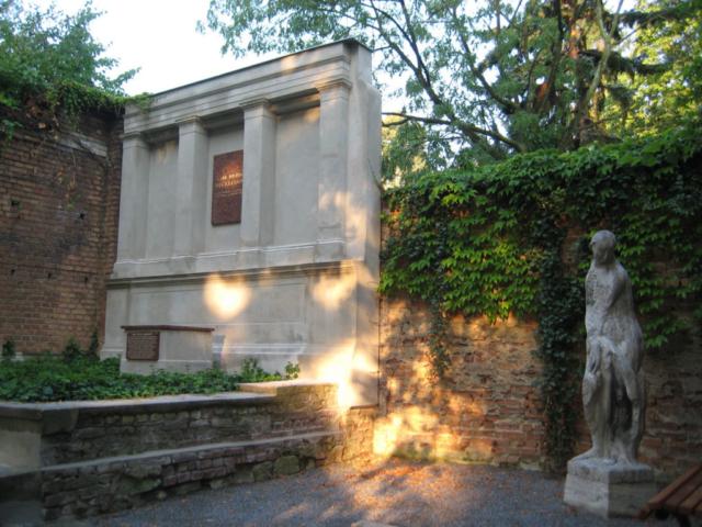 Restaurierung einer Grabstelle – nachher