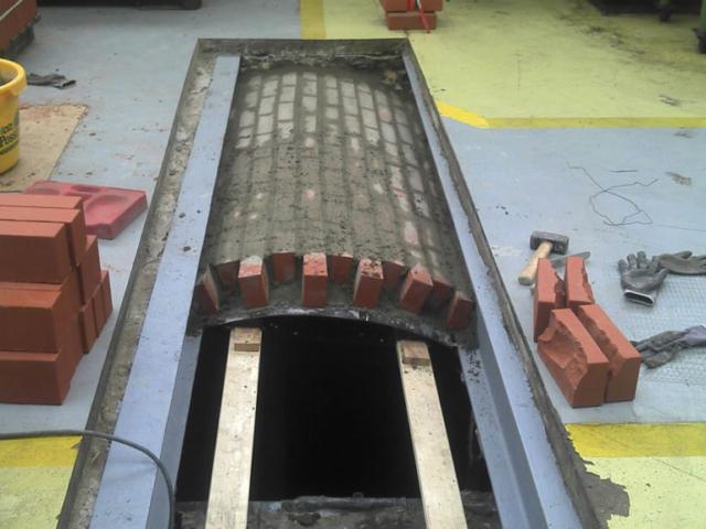 Restaurierung einer Industrie-Kappendecke