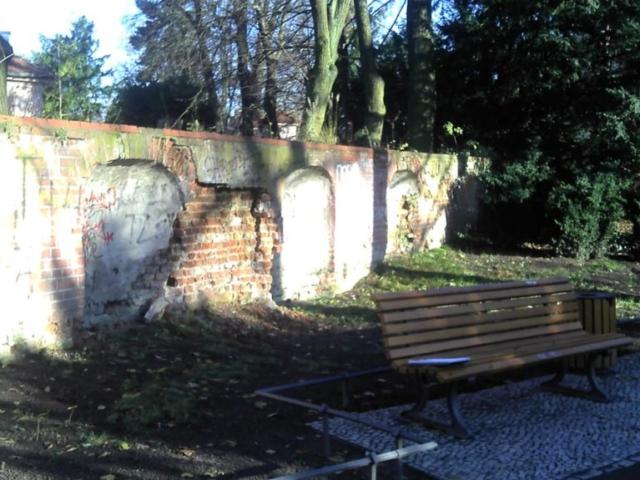 Restaurierung einer Kirchhofsmauer